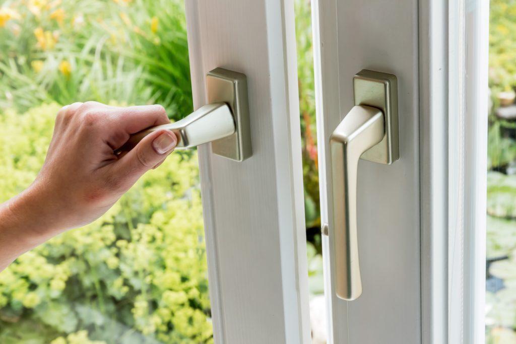 lock handle and hinge repairs