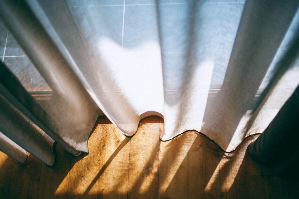 keep curtains shut to keep cool