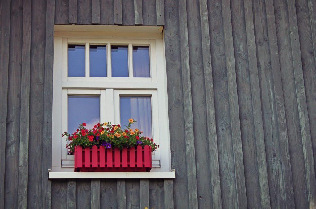 window bay cloudy2clear
